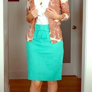 Size 6 Mint J. Crew Pencil Skirt with Bow